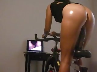 Breezy Wifey can't get fair BIG Frowning COCK