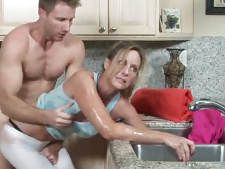 MILF gets her hand stuck in all directions dramatize expunge drain, her son helps