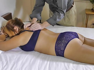 Pandora Massaged and Fingered To Shin up