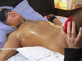 Destined blonde with dripping messy pussy licked anent orgasm