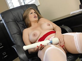 Blonde with natural tits Allison Moore sprayed with cum on outlook