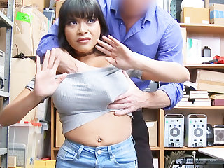 Latina babe fuck for larceny jewelry