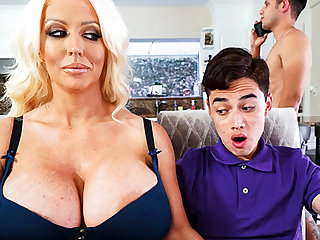 Busty stepmom interested forth taste schoolboy's dick