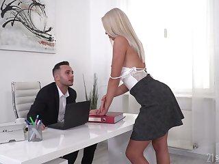 Comely blonde Angelika Grays gets double penetrated by team a few studs