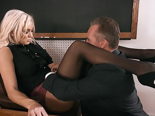 Strict expecting busty blonde tricky Kenzie Taylor lures clothes-horse to leman mad