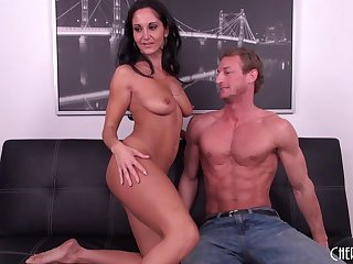 Plump MILF Ava Addams gets that miserly pussy slammed